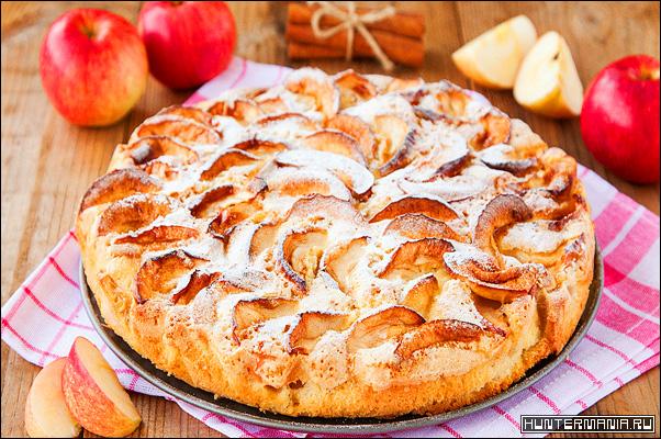 Шарлотка. Яблочный пирог в мультиварке (рецепт)